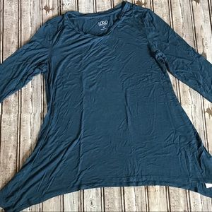 Logo by Lori Goldstein Teal Flowy Top